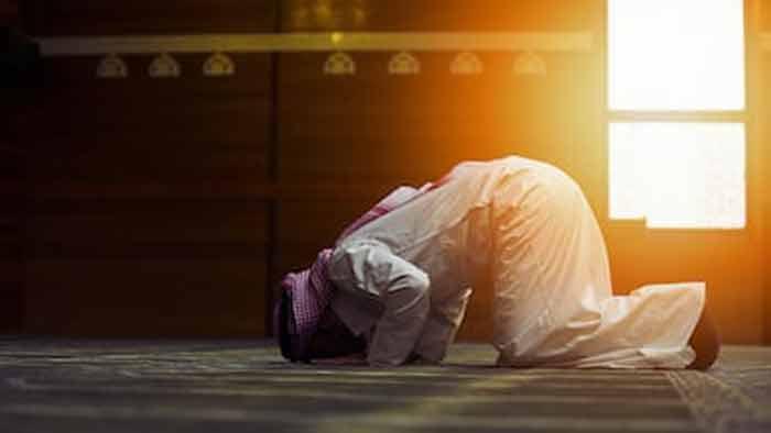 নামাজে সিজদারত অবস্থায় ইমামের মৃত্যু