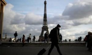 ফ্রান্সে করোনায় 'ভয়াবহতার' শঙ্কা