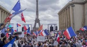 'করোনা আইন' : ফ্রান্স-ইতালিতে ব্যাপক বিক্ষোভ
